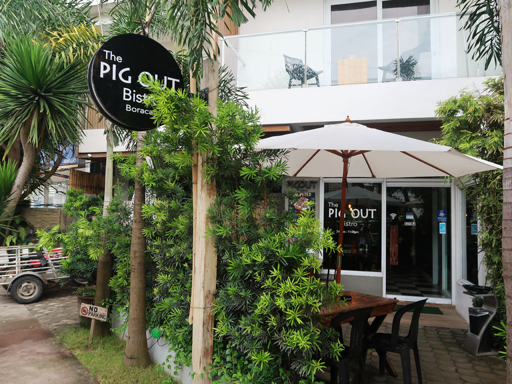 04-The Pig Out Bistro Boracay.JPG