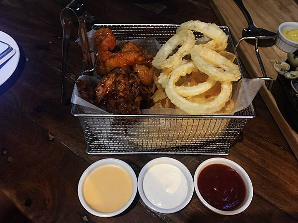 17-The Pig Out Bistro Boracay.jpg