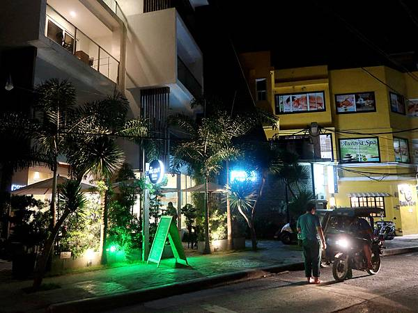 07-The Pig Out Bistro Boracay.JPG