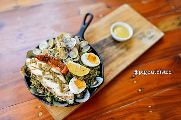 35-The Pig Out Bistro Boracay.jpg