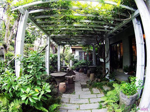 06-紫藤廬 Wistaria Tea House泡茶去.JPG