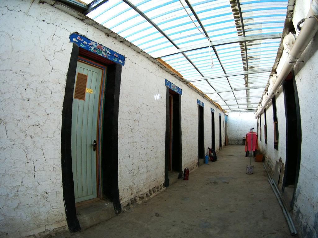 28-西藏阿里塔欽住宿 崗欽賓館 吳酸酸.JPG