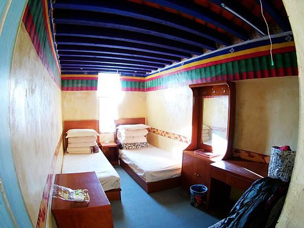 32-西藏阿里塔欽住宿 崗欽賓館 吳酸酸.JPG