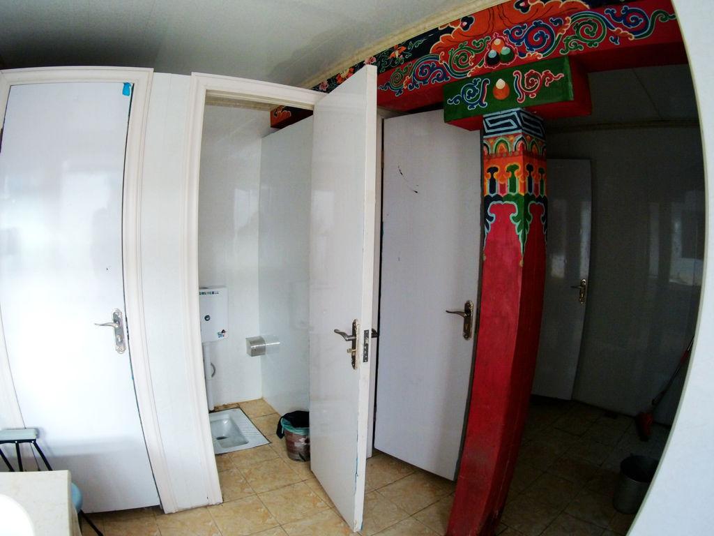 38-2西藏阿里塔欽住宿 崗欽賓館 吳酸酸.JPG