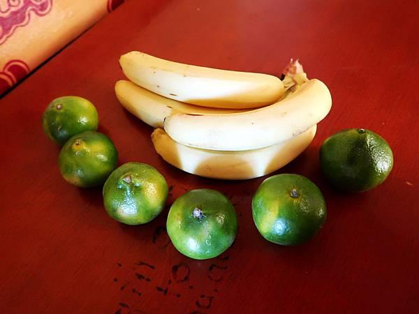 90-阿里塔爾欽 買水果.JPG