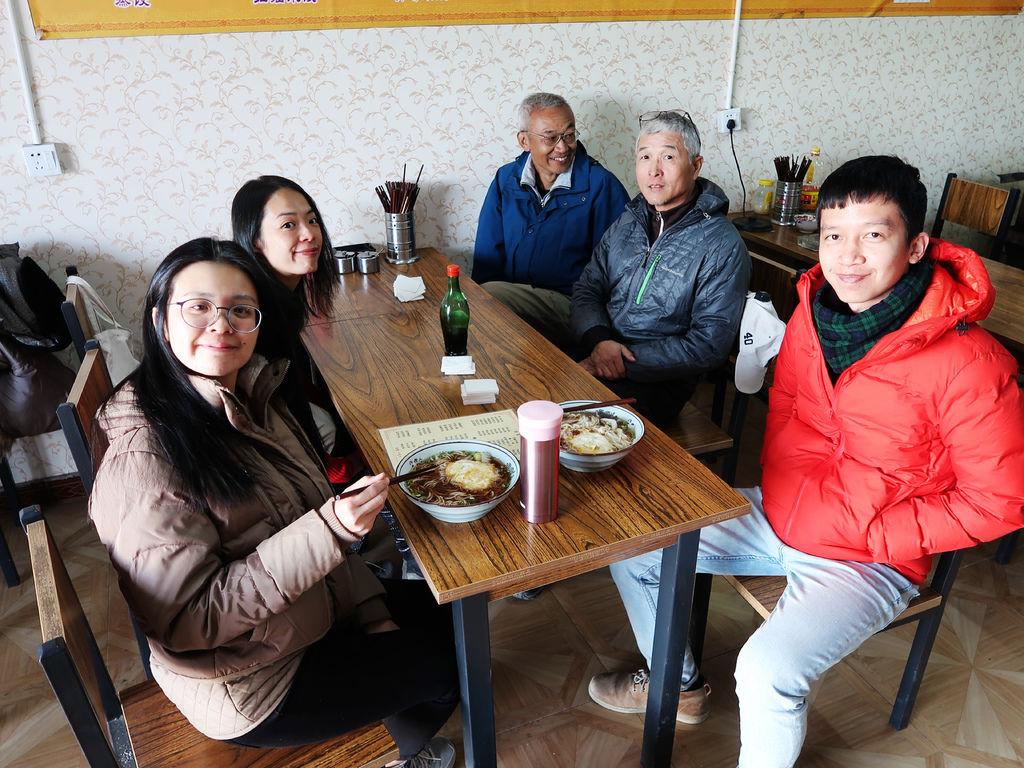 87-西藏阿里普蘭塔欽餐館 火鍋 炒手.JPG