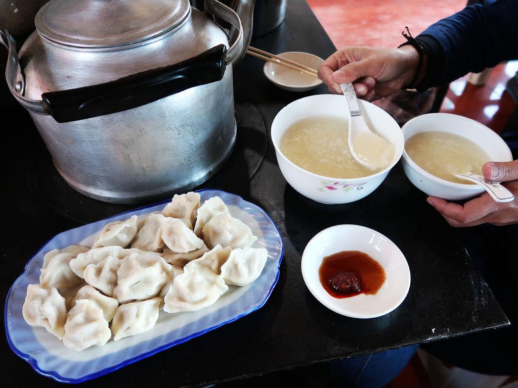 98-西藏阿里塔欽吃早餐 萬源餐館 吳酸酸.JPG