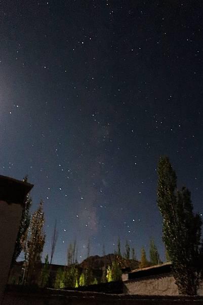 88-西藏阿里 札布讓村 土林民宿 藏民家庭旅館 星空 流星.JPG