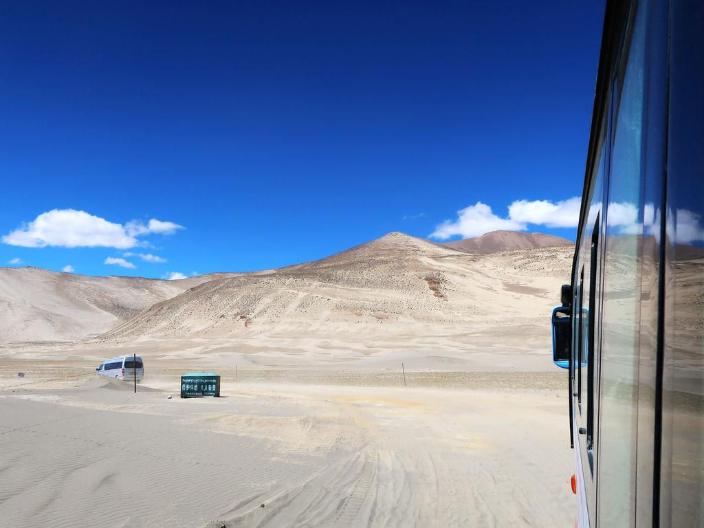 04-前往5200米珠峰大本營途中 西藏吳酸酸.JPG