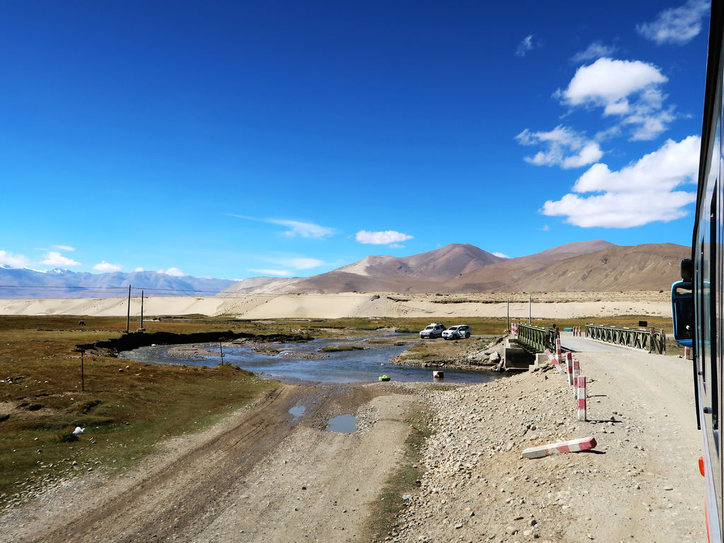 02-前往5200米珠峰大本營途中 西藏吳酸酸.JPG