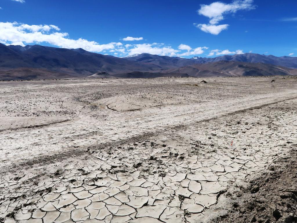 05-前往5200米珠峰大本營途中 西藏吳酸酸.JPG