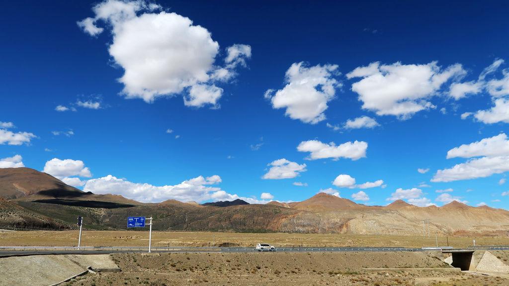 30-前往5200米珠峰大本營途中 西藏吳酸酸.JPG