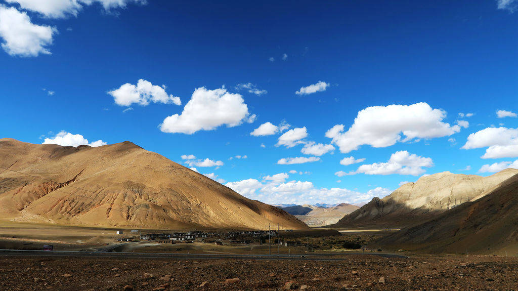 31-前往5200米珠峰大本營途中 西藏吳酸酸.JPG