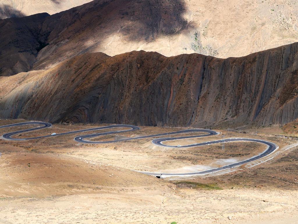 36-前往5200米珠峰大本營途中 西藏吳酸酸.JPG
