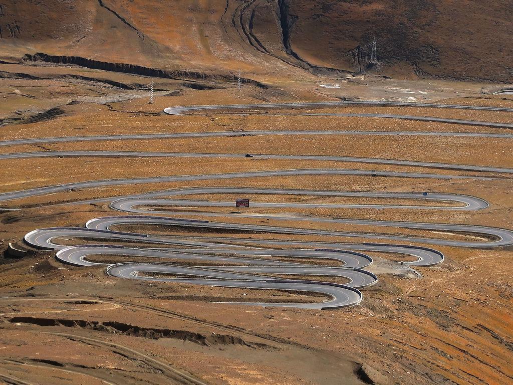 41-前往5200米珠峰大本營途中 西藏吳酸酸.JPG
