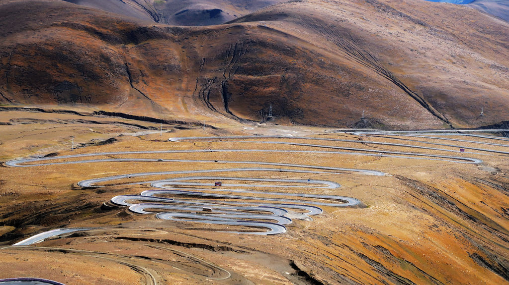 46-前往5200米珠峰大本營途中 西藏吳酸酸.JPG