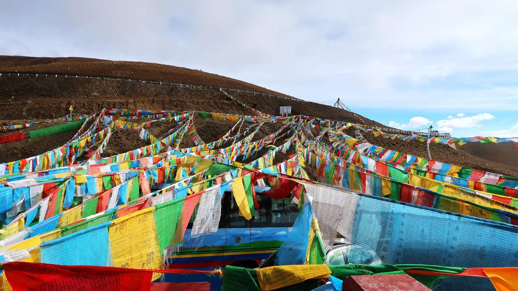 50-前往5200米珠峰大本營途中 西藏吳酸酸.JPG