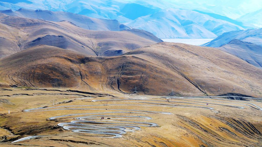 48-前往5200米珠峰大本營途中 西藏吳酸酸.JPG