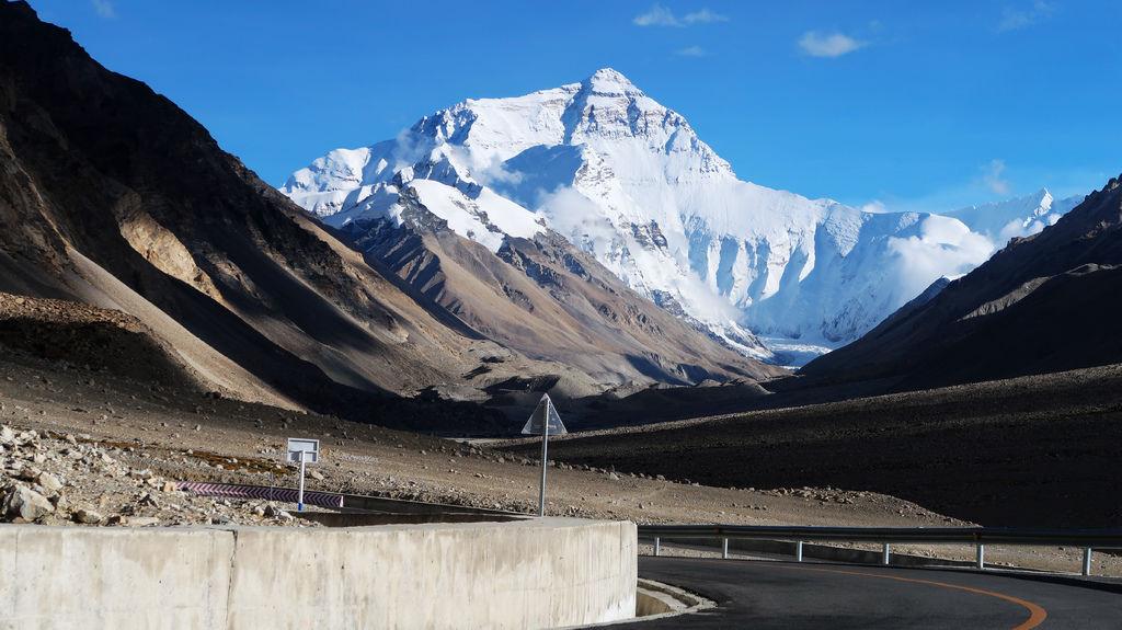 55-前往5200米珠峰大本營途中 西藏吳酸酸.JPG
