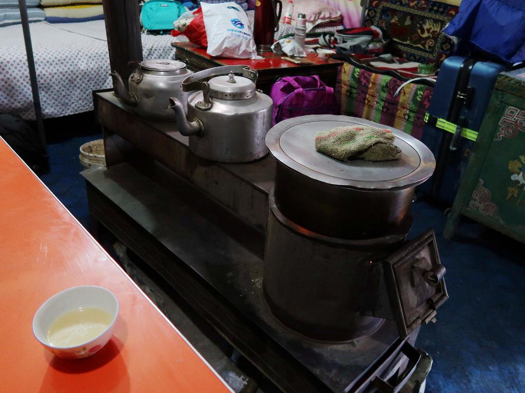 64-5200米珠峰大本營帳篷 西藏吳酸酸.JPG