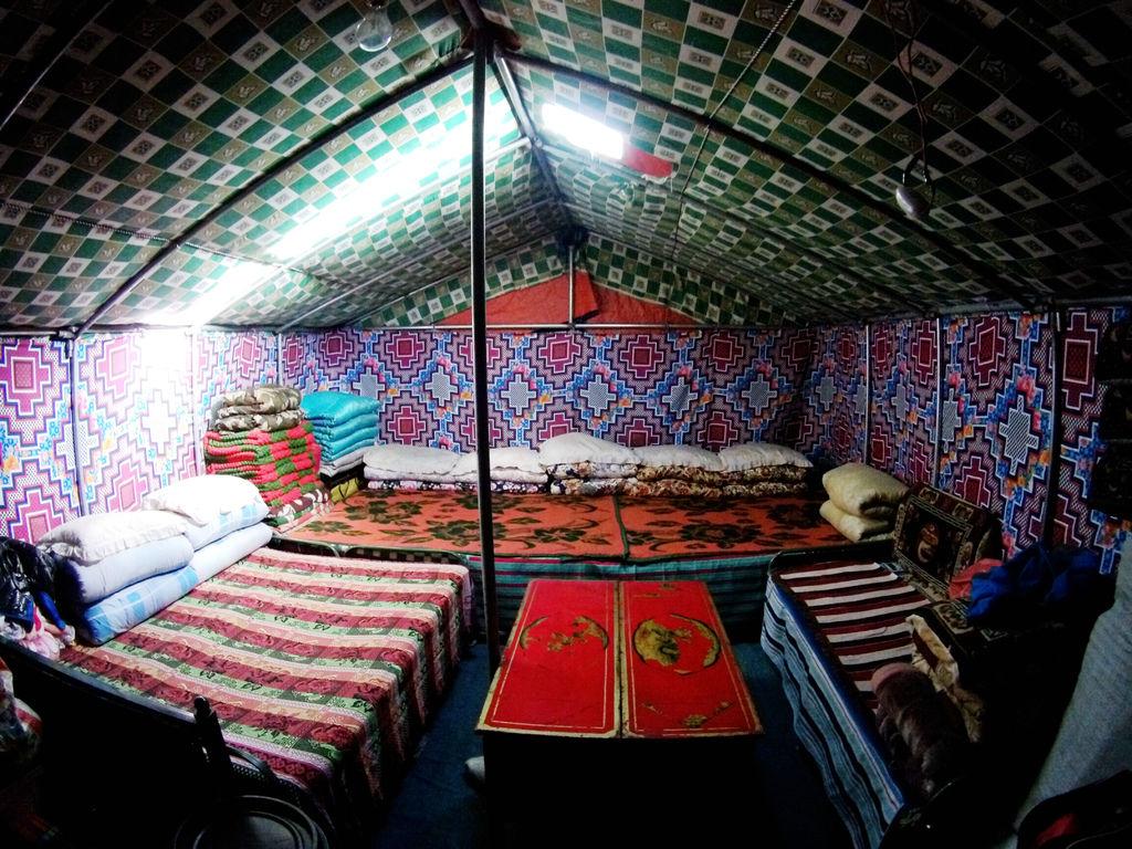 65-5200米珠峰大本營帳篷 西藏吳酸酸.JPG