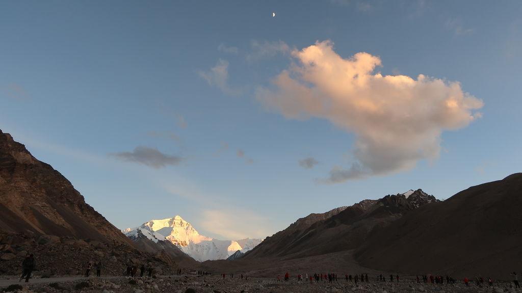 81-5200米珠峰大本營帳篷 西藏吳酸酸.JPG