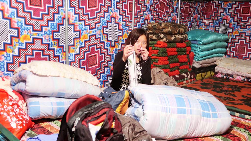 87-5200米珠峰大本營帳篷 西藏吳酸酸.JPG