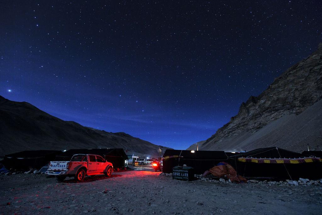 91-5200米珠峰大本營帳篷 西藏吳酸酸 照片提供馬來西亞暖男.jpg