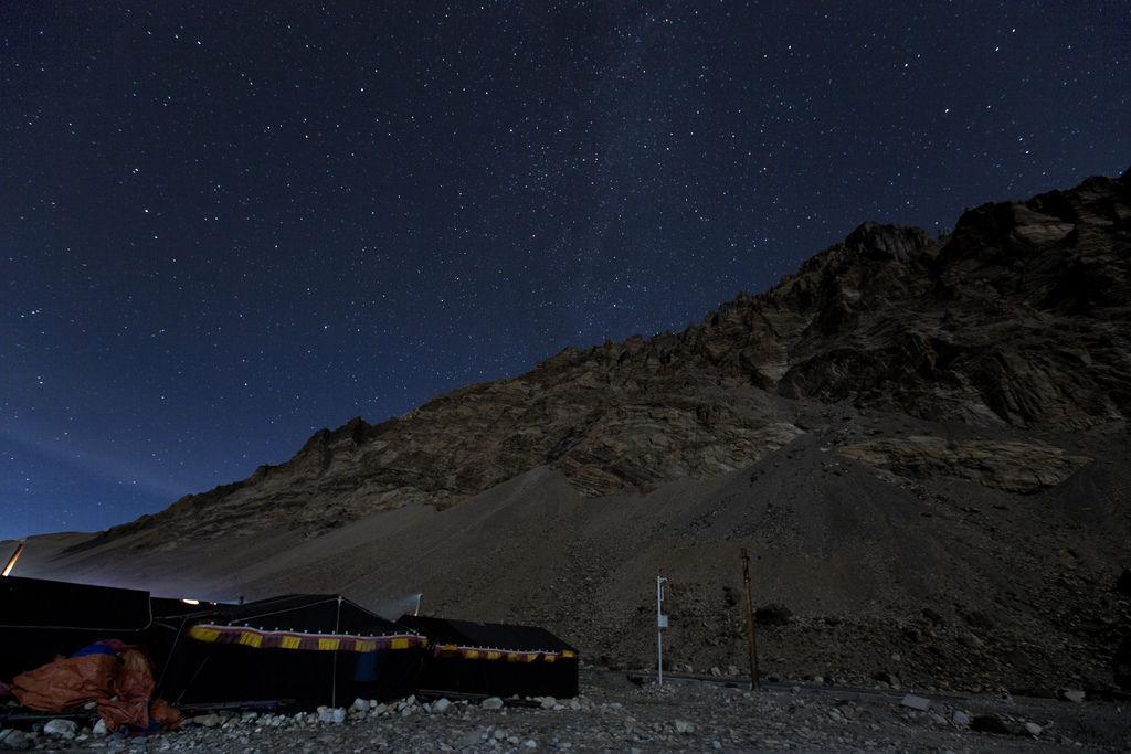 92-5200米珠峰大本營帳篷 西藏吳酸酸 照片提供馬來西亞暖男.jpg