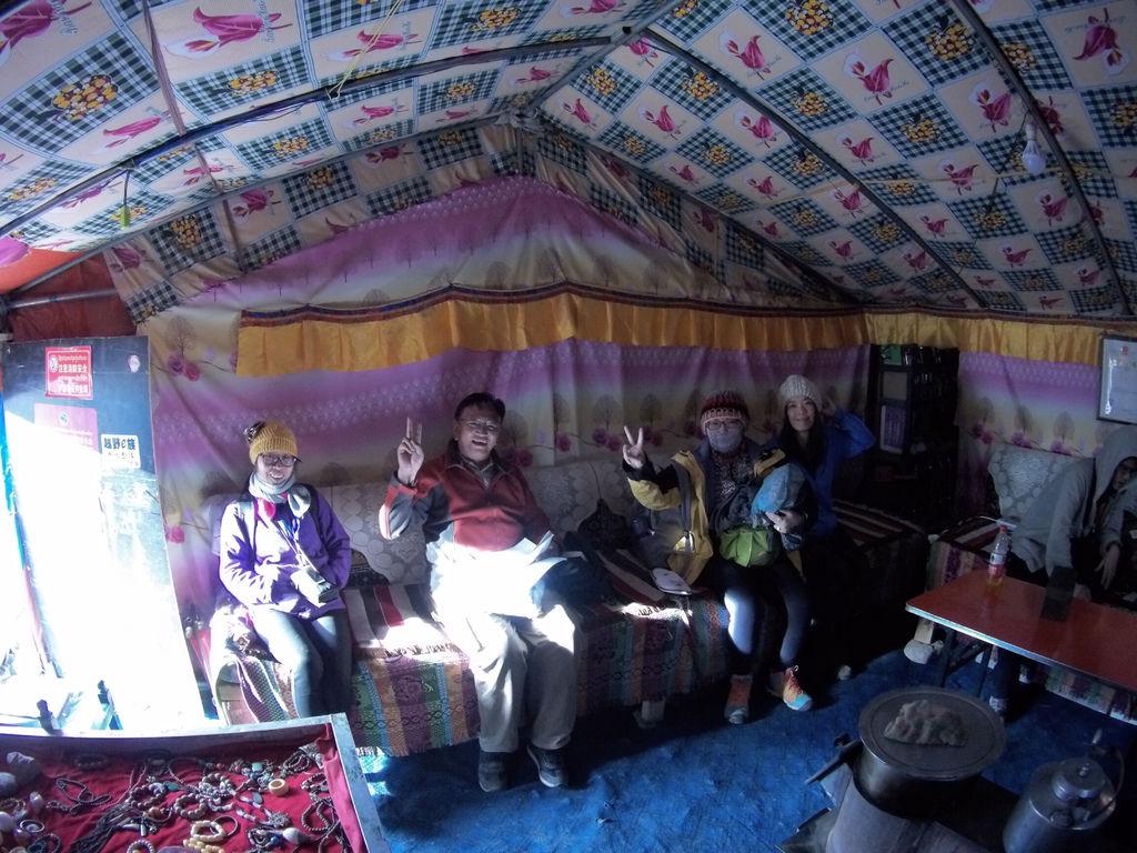 63-5200米珠峰大本營帳篷 西藏吳酸酸.JPG
