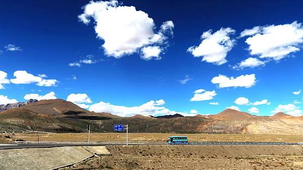 30-1前往5200米珠峰大本營途中 西藏吳酸酸.JPG