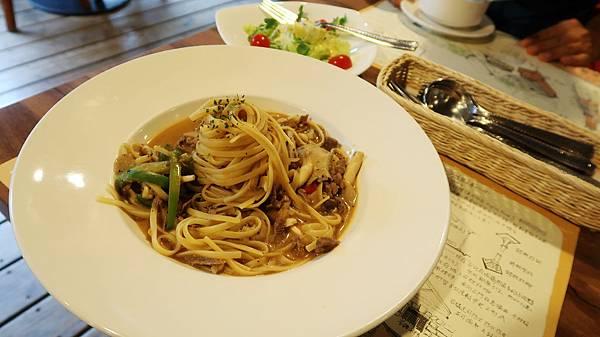 69-國立臺灣博物館南門園區、呦呦荷造場 古蹟裡用餐.JPG