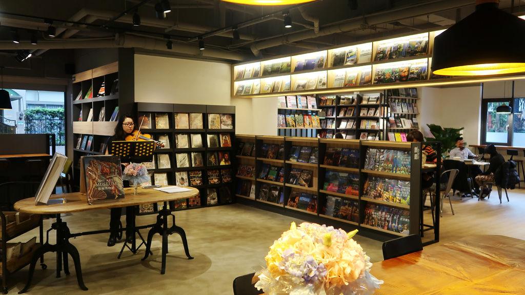 75-益品書屋 EP-BOOKS(台北市仁愛路).JPG