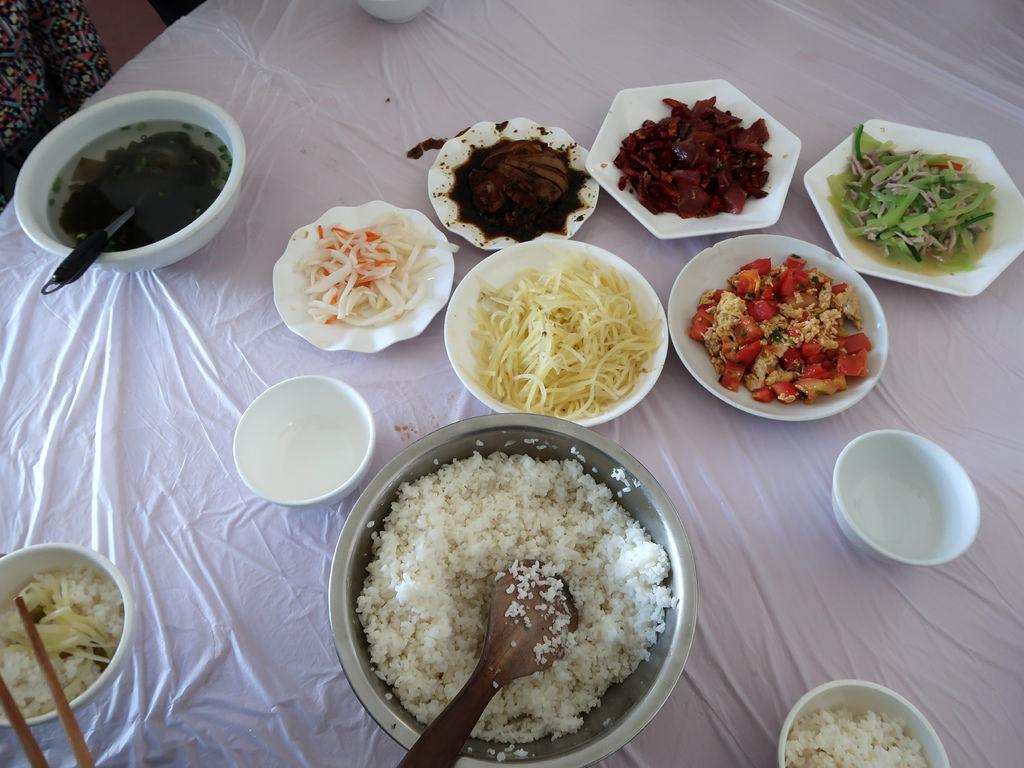 62-西藏吳酸酸 前往卡若拉冰川 川味午餐(浪卡子).JPG