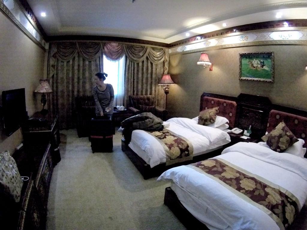 60-西藏吳酸酸 日喀則飯店 扎西曲塔大酒店.JPG
