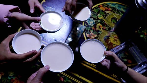 65-西藏吳酸酸 日喀則 藏餐廳 西藏麵片.JPG