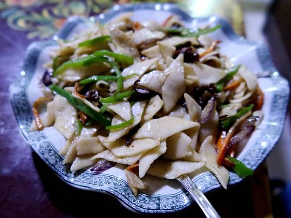 66-西藏吳酸酸 日喀則 藏餐廳 西藏麵片.JPG