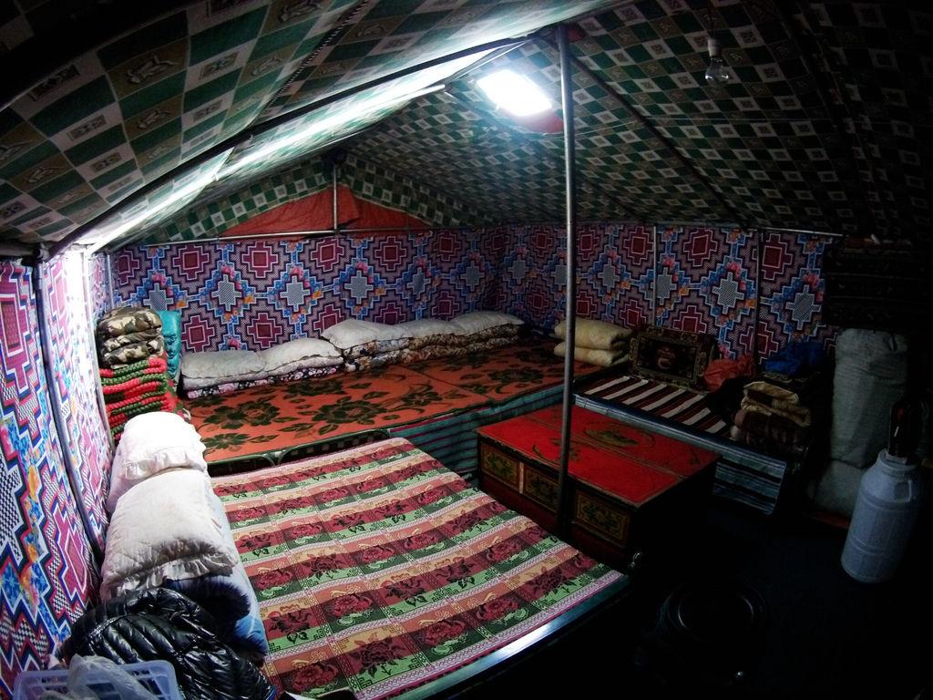 63-西藏珠峰大本營 聖母峰帳篷區 吳酸酸.JPG