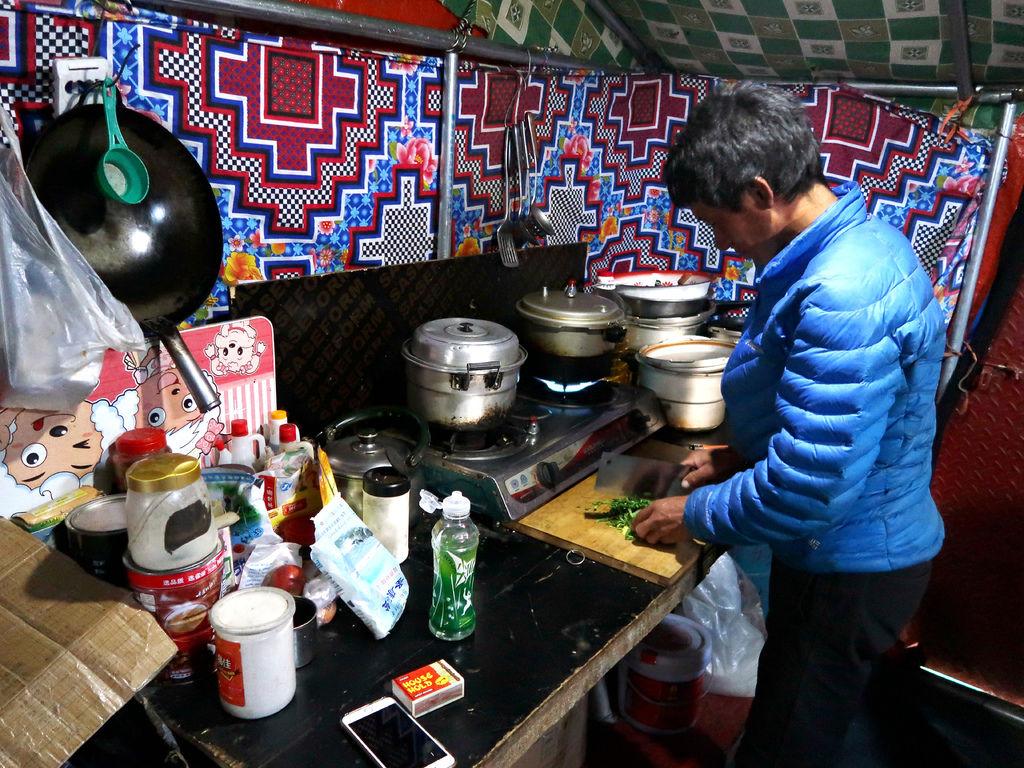 64-西藏珠峰大本營 聖母峰帳篷區 吳酸酸.JPG