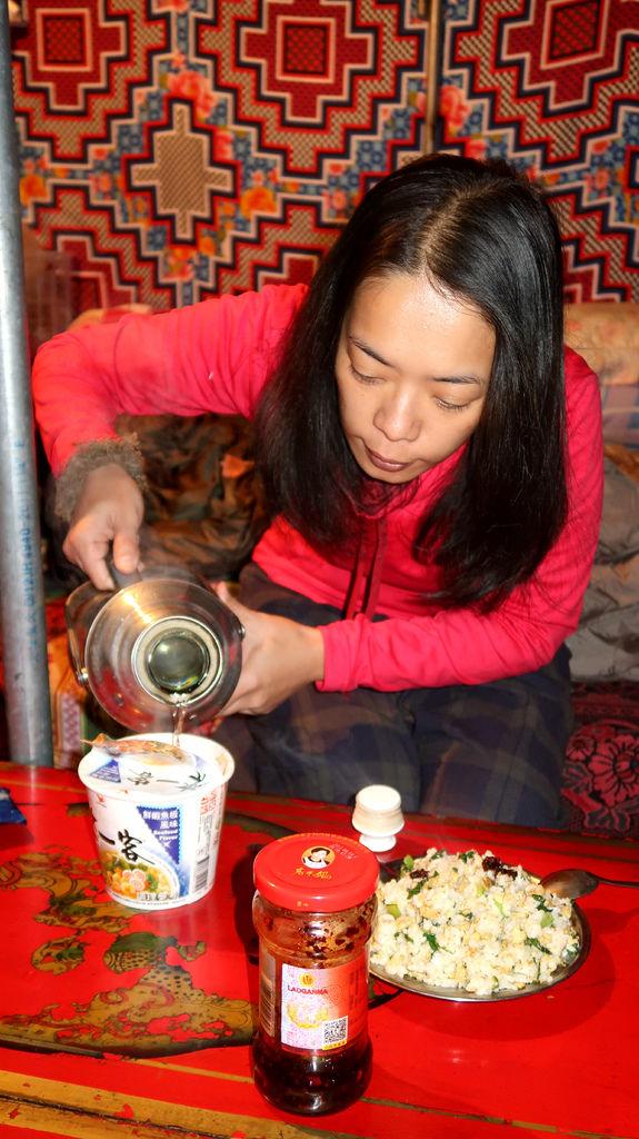 66-西藏珠峰大本營 聖母峰帳篷區 吳酸酸.JPG