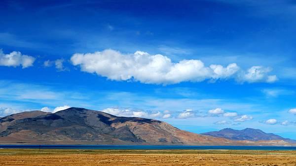 37-從珠峰大本營到薩嘎一路好玩。佩枯措、希夏邦馬.JPG