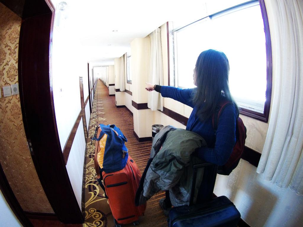 55-從珠峰大本營到薩嘎一路好玩。薩嘎住宿 晚餐 早餐.JPG