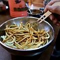 76-從珠峰大本營到薩嘎一路好玩。薩嘎晚餐慶祝中秋節.JPG