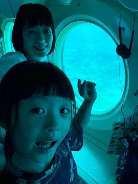 54-關島員工旅遊 潛水艇_吳酸酸.jpg