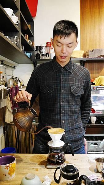 17_台中有溫度的咖啡店_沙鹿_出軌咖.JPG