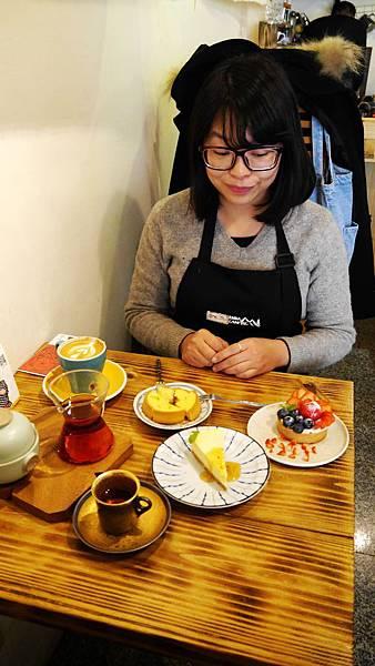 47_台中有溫度的咖啡店_沙鹿_出軌咖_許小姐.JPG