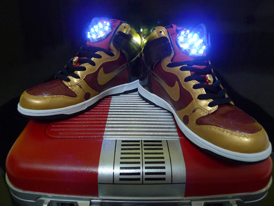 iron-man-2-nike-dunk-light-up-3.jpg