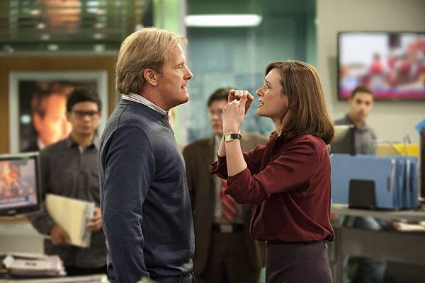 THE-NEWSROOM-Jeff-Daniels-Emily-Mortimer1