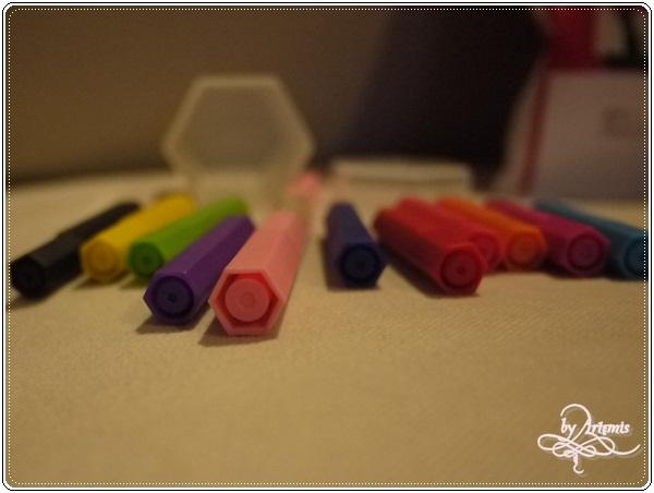 無印良品六角色筆正常版+迷你版 比較