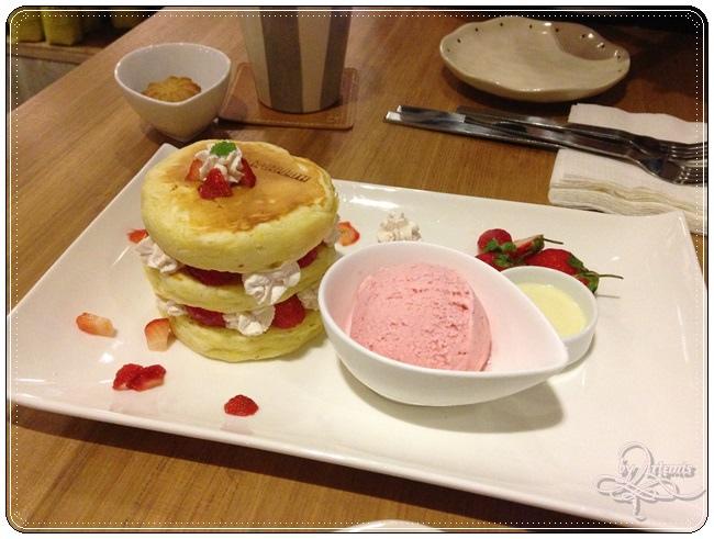 Hotcake Cafe 017.JPG
